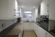Flat to rent in Windmill Lane...