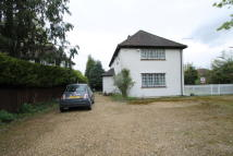 4 bedroom Detached house in Oxhey Road, Watford, WD19