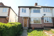 3 bed semi detached house to rent in Brook Avenue, Edgware...