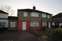 3 bed semi detached house to rent in Alders Close, Edgware...