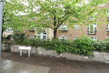 Flat to rent in Page Street, London, NW7