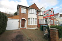 3 bedroom semi detached property to rent in Winchester Avenue...