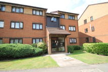 2 bed Flat for sale in Pavilion Way, Edgware...