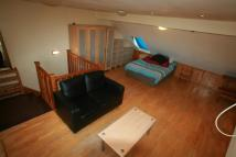 Studio flat to rent in Temple Road, London, NW2
