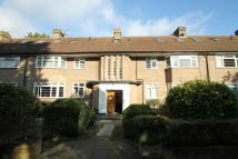 2 bedroom Ground Flat in Heronsgate, Edgware, HA8