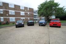 Flat in STRATTON CLOSE, Edgware...