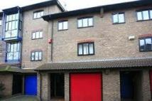 3 bedroom Apartment in Lancaster Drive...
