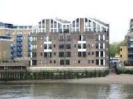 Apartment to rent in Narrow Street, Limehouse...