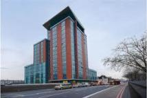 Apartment to rent in East India Dock Road...