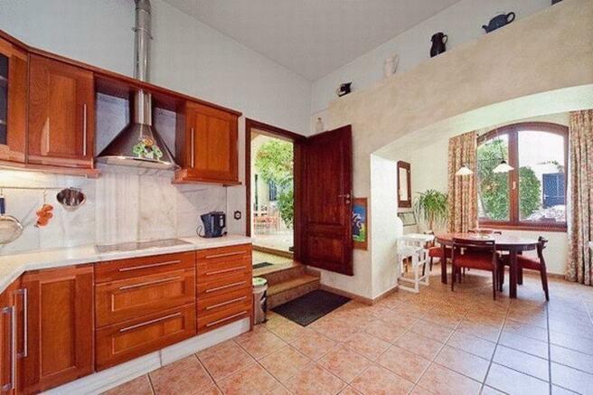 Kitchen & Dining...
