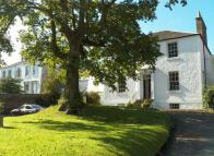 Maisonette for sale in 2 Courthill House...