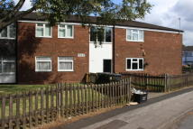 Ground Flat to rent in LEAHILL CROFT...