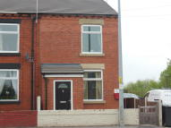 Ground Flat to rent in Bryn Road...