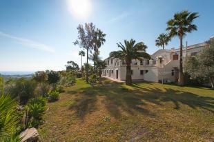 villa and gardens