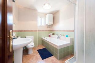 Guest apart. bathroo