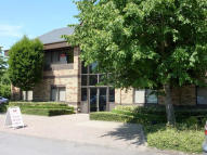 property to rent in Cromwell Business Centre, 
