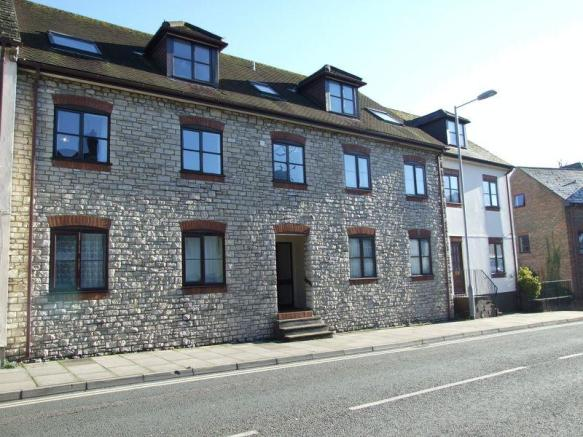 2 Bedroom Apartment To Rent In Church Street Dorchester Dt1