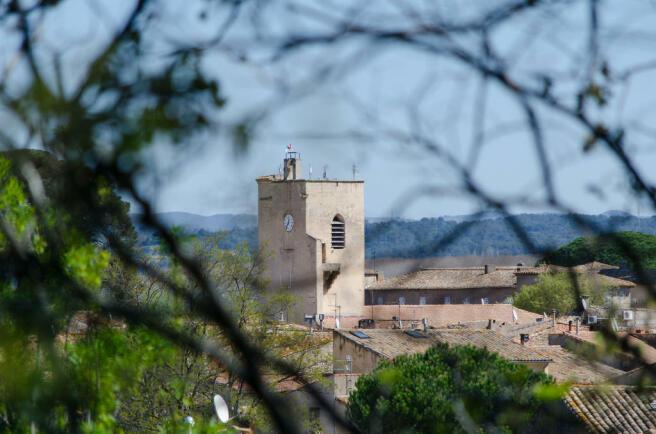 Lézignan village
