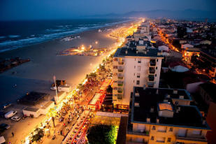 Canet by night