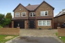 5 bed house to rent in Cuffley, EN6