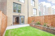 3 bedroom home in Bromyard Avenue, London...