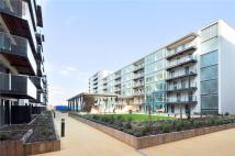 3 bed Flat in Station Approach, Hayes...