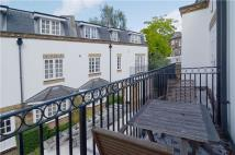 2 bed Mews in Watermans Mews, The Mall...