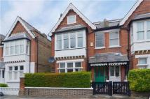 5 bedroom home in Sunnyside Road, London...