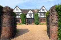 6 bedroom Detached house for sale in Dormers Wells Lane...