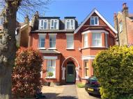 2 bedroom Flat for sale in Westbury Road, Ealing...