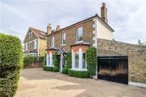 4 bed Detached property in Uxbridge Road, Hampton...