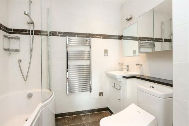 En-Suite Bathroom
