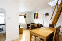 2 bedroom Apartment to rent in Clonmel Road, Teddington...