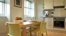 1 bedroom Apartment in Hampton Court Road...