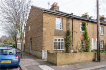 2 bed Cottage in Railway Road, Teddington...