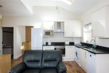 1 bed Apartment to rent in Stanley Road, Teddington...