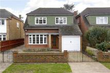 4 bedroom Detached home in Old Farm Road, Hampton...
