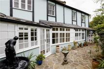 3 bedroom Cottage to rent in Kings Road, Teddington...
