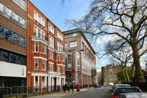 2 bed Flat in Red Lion Square, Holborn...