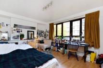 Flat for sale in Cromer Street...