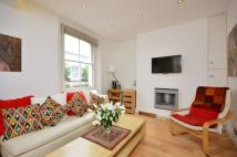 1 bedroom Flat in Floral Street...