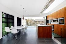 3 bedroom Penthouse to rent in Endell Street...
