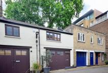 Studio apartment to rent in Johns Mews, Bloomsbury...