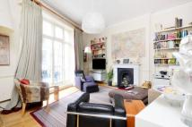 Wellington Street Flat for sale
