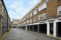 Flat in Gower Mews Mansions...