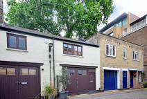 Studio flat to rent in Johns Mews, Bloomsbury...