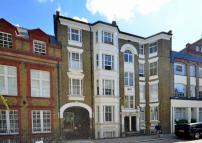 Dukes Road Flat to rent