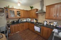 3 bedroom Flat in Behive Lane Ilford