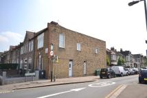 2 bedroom Flat in Leabridge Road Leyton