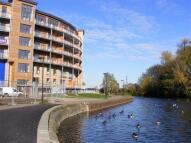 Flat to rent in Harry Zetial Way Hackney